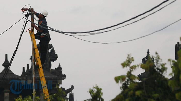 Reportase Warga: Kabel Putus Tidak Terurus di Pesanggaran
