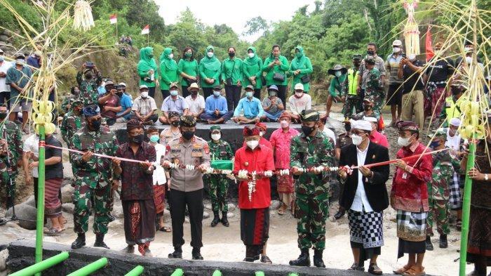 HUT TNI ke-76, Pangdam IX/Udayana Resmikan Pompa Hidram Bagi Masyarakat Tangguntiti Tabanan