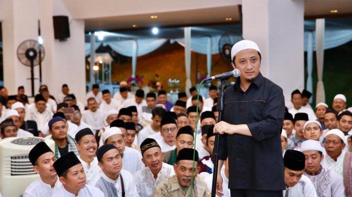 Yusuf Mansur Isi Peringatan Nuzulul Quran di Pendopo Banyuwangi