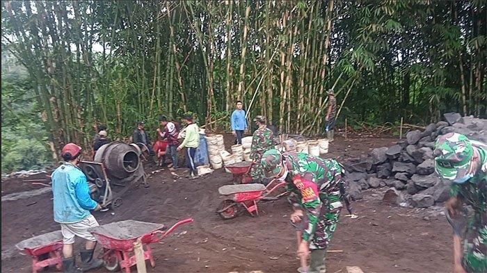 Pengerjaan pembangunan Senderan Pra TMMD di Bangli Sudah Mencapai 75 Persen