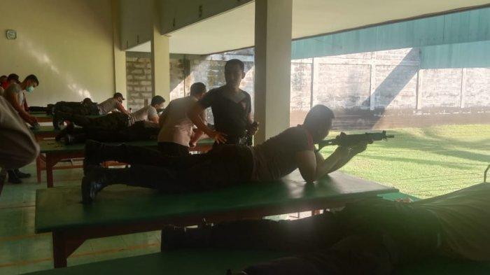 Jelang Pembukaan Pariwisata Bali dan HUT Bayangkara, Polres Badung Laksanakan Latihan Menembak