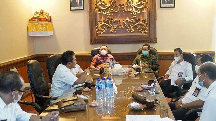 Bupati Tamba Temui Kepala Bappeda Bali di Denpasar, Bahas Rencana Renovasi Pura Jagatnatha Jembrana