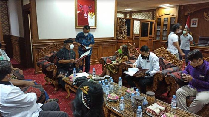 Terkait Usulan Pengusaha Pusat Perbelanjaan, Ketua DPRD Badung Akan Bersurat ke Gubernur dan Menko