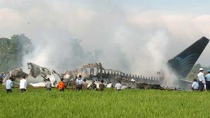 Hari Ini dalam Sejarah: Pesawat Garuda Terbakar di Bandara Adisutjipto, 21 Orang Tewas