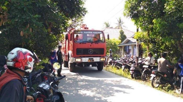 Pesawat TNI Jatuh di Pekanbaru, Kursi Pelontar Pilot Timpa Atap Rumah Warga