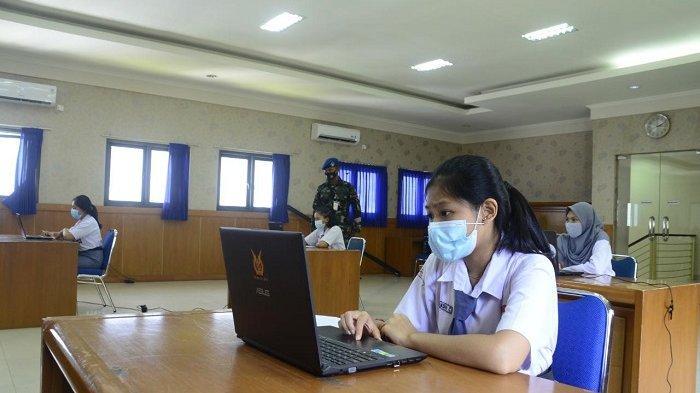 Yasarini Pengurus Cabang Lanud I Gusti Ngurah Rai Dampingi Peserta Try Out UTBK Nasional