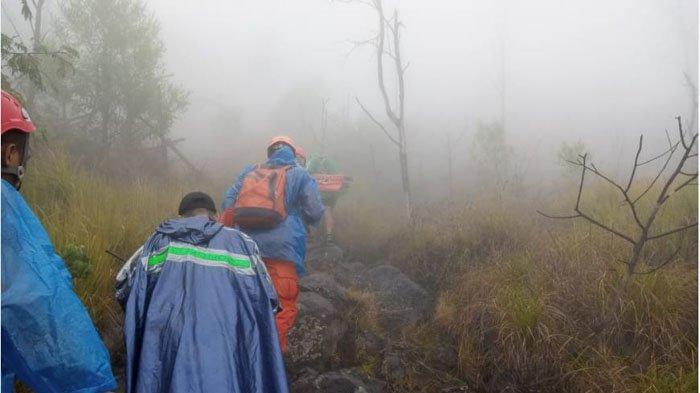 Dua Pendaki yang Tersesat di Gunung Agung Ditemukan di Lereng Jurang, Begini Kondisinya