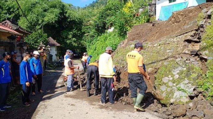 Senderan Rumah Made Mepek Ambruk di Karangasem Bali