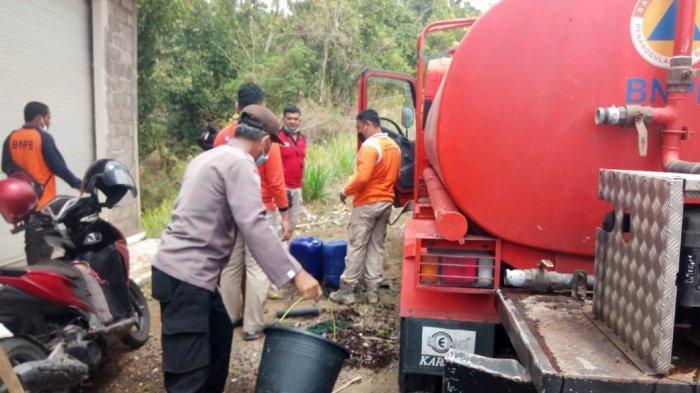 BPBD Karangasem dan Komunitas ACT Didistribusikan 10 Ribu Liter Air Bersih di Desa Tianyar