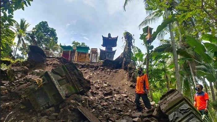 Diguyur Hujan Deras, Senderan Penyengker Pura dan Sanggah Warga di Manggis Karangasem Ambruk