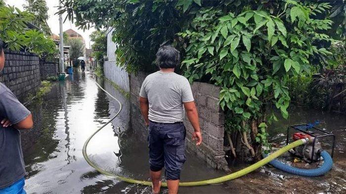 Intensitas Curah Hujan Tinggi, Dua Gang Permukiman Warga di Sidakarya Denpasar Tergenang Air