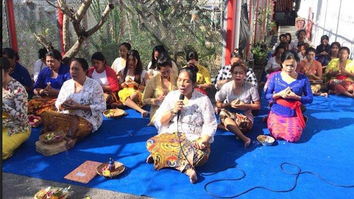 Atas Musibah Kebakaran Lapas Tangerang, Petugas dan WBP Lapas Perempuan Kerobokan Gelar Doa Bersama