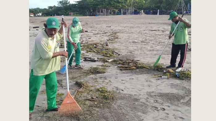 Sampai Hari Ini Sampah Kiriman Masih Menepi Sepanjang Pantai di Badung, Perhari Capai 22 Ton