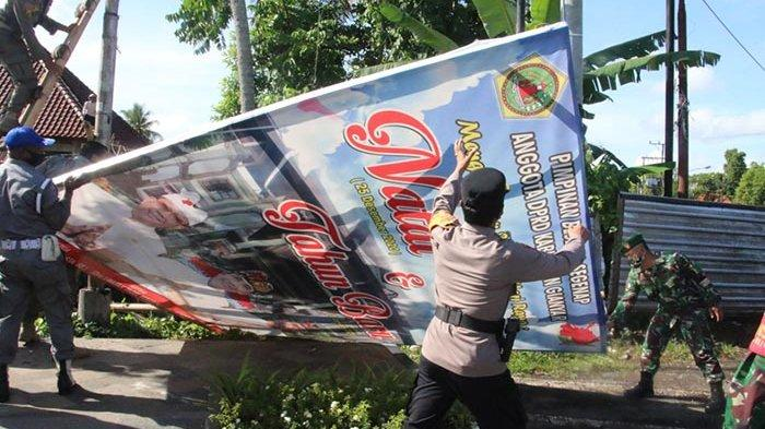 Petugas Gabungan Bersih-bersih Baliho di Gianyar, Termasuk Salah Satunya Milik Partai Politik