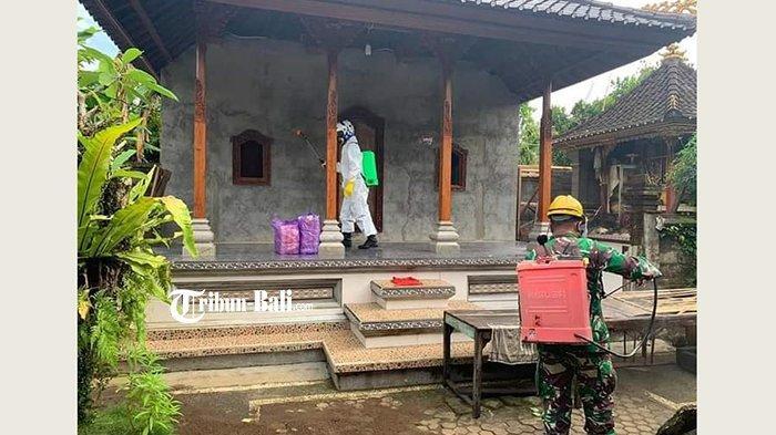 Satgas Gabungan Semprot Disinfektan di Rumah Warga di Gianyar