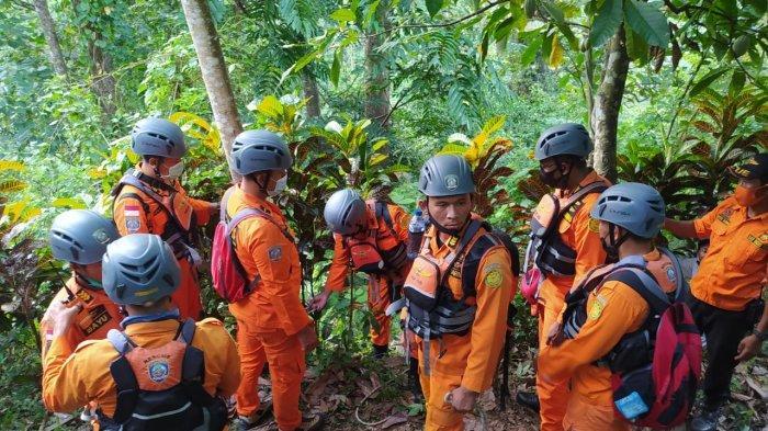 NLK Hilang Sejak Selasa, Sempat Dilihat Warga Berjalan ke Arah Air Terjun Grombong