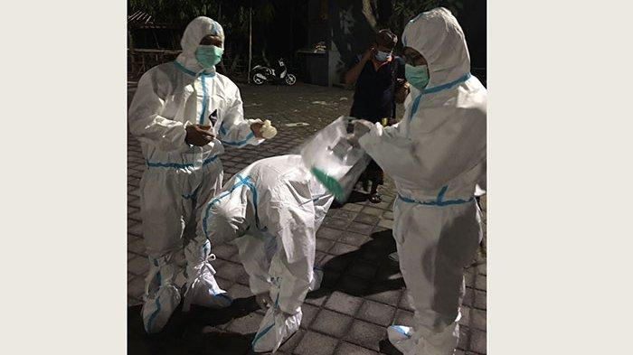 Warga Celuk Gianyar Makamkan Jenazah Keluarga Terkonfirmasi Covid-19 Tanpa Petugas