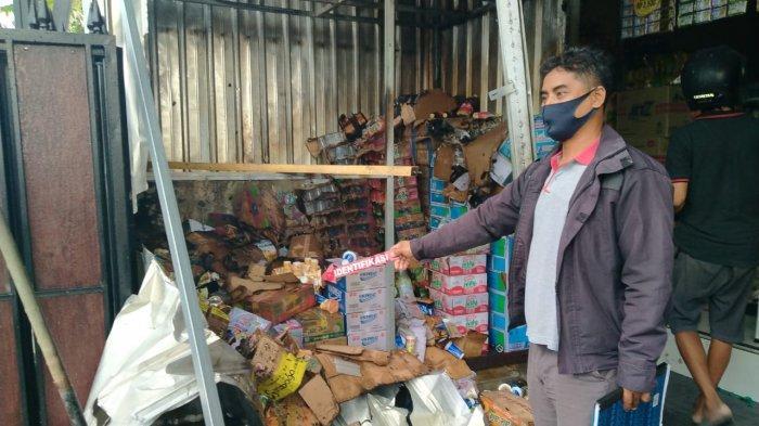 Gudang Barang di Pasar Dauh Pala Tabanan Kebakaran Akibat Percikan Api Las