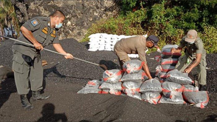 Satpol PP Karangasem Gelar Sidak di Pantai Bugbug, Sasar Penambang Pasir & Batu Ilegal