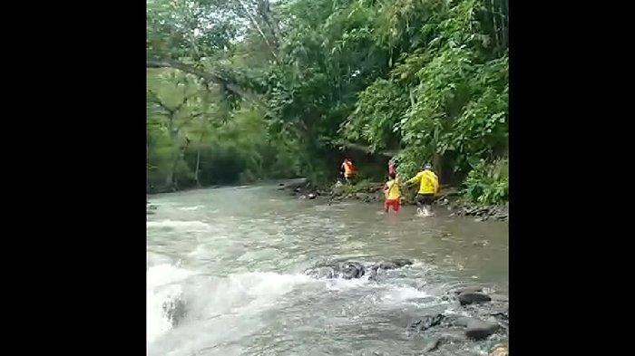Kedatangan Warga Ganggu Proses Pencarian Komang Ayu di Sungai Petanu Gianyar