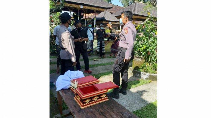 Pratima Pura Desa Tegalantang Gianyar Bali Digondol Maling, Aksinya Terekam CCTV