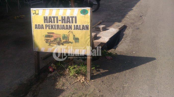 Jalan Jebol dan Berbahaya di Batuyang Gianyar