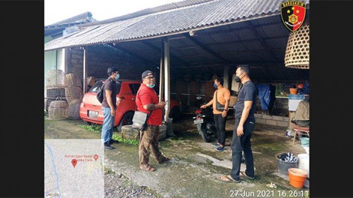 Rumah Anggota DPRD Bangli Dimasuki Maling, Dua Pria Terekam CCTV Curi Ayam