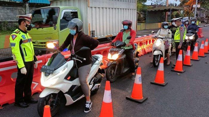 Pengetatan di Pintu Masuk Badung dari Singaraja, 3 Kendaraan Tanpa Tujuan Diminta Putar Balik