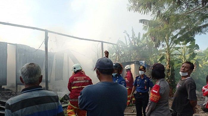 BREAKING NEWS: Sebuah Gudang Rongsokan Terbakar di Dalung Badung