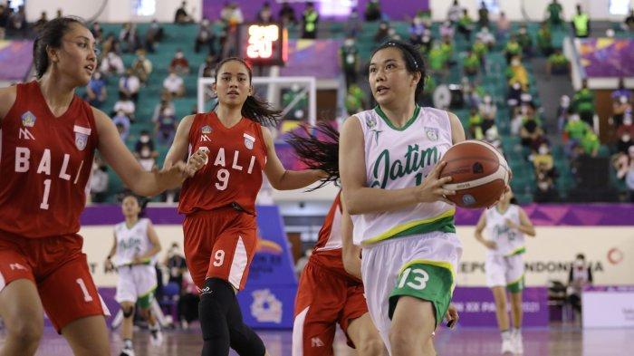 Penantian 21 Tahun, Tim Basket Putri Bali Bawa Pulang Perak PON XX Papua 2021