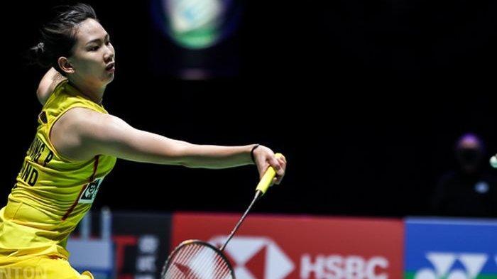Pebulu tangkis tunggal putri Thailand, Pornpawee Chochuwong, saat menjalani pertandingan melawan Beiwen Zhang (Amerika Serikat/AS) pada babak perempat final All England Open 2021 di Arena Birmingham, Birmingham, Inggris, Jumat (19 Maret 2021).