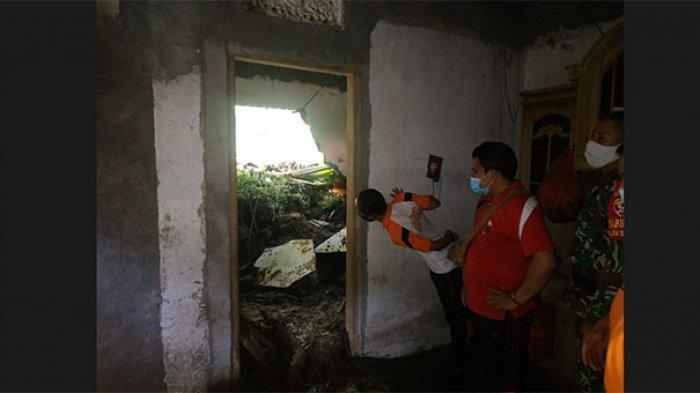 2 Rumah Warga di Desa Telagatawang Karangasem Tertimbun Longsor,Perbekel Mohon Bantuan Pihak Terkait