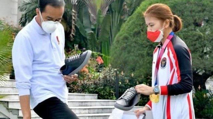Presiden Jokowi Beli Sepatu Greysia Polii, Bonus Peraih Medali Ditambah Rp 500 Juta