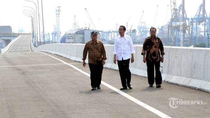 Menguak Anomali Ekonomi Indonesia