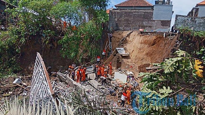 Gara-gara Tanah Labil Rumah di Gianyar Amblas & Renggut 4 Nyawa, Polisi: 4 Rumah Miring Rawan Amblas