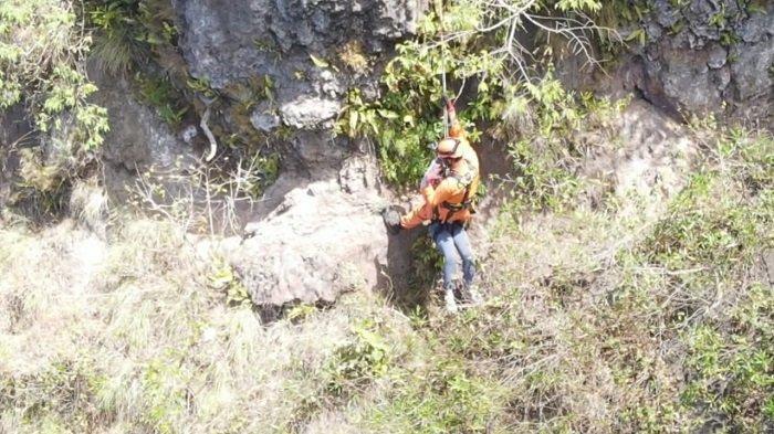 Tim SAR Berhasil Selamatkan Dua Pendaki yang Tersesat di Dekat Kawah Gunung Batur