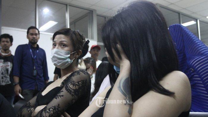 Dikabarkan Hakim Patrialis Ditangkap Bersama Cewek di Hotel Esek-esek, Ini Modus PSK Taman Sari!
