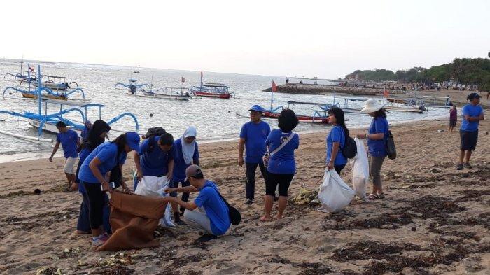 PT Asuransi Wahana Tata (Astata) Rayakan Hari Jadi Ke 55 Tahun Dengan Kegiatan Bersih-Bersih Pantai