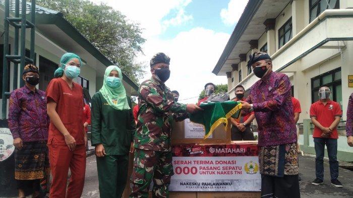 Matahari Sumbang 1.000 Pasang Sepatu, Sangat Menunjang Aktivitas Nakes TNI di Bali