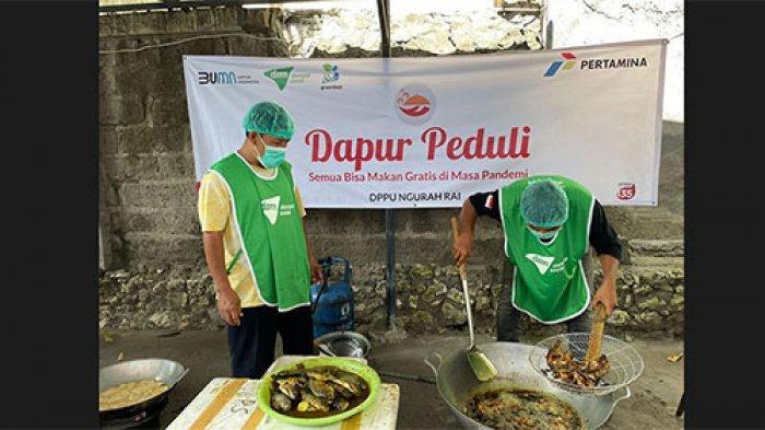Dapur Peduli di Kelurahan Kuta Badung Hasilkan 300 Paket Nasi Kotak, Dibagikan Gratis ke Masyarakat