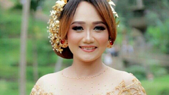 Mengenal Sosok Putri Bulan, Penyanyi Pop Bali Yang Telah Meniti Karir Sejak Usia Belasan