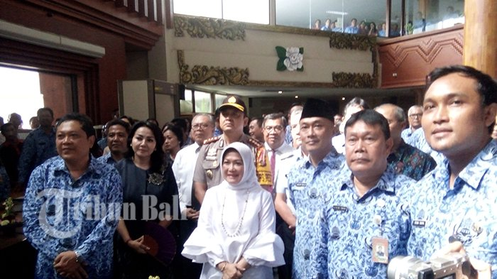 Tak Nampak di Rapat Penetapan Cagub Dan Cawagub Bali, Ternyata Ini Yang Dilakukan Rai Mantra