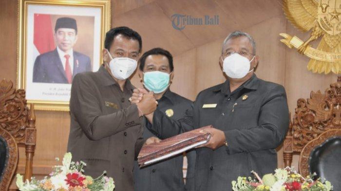 Rapat Paripurna DPRD, Pjs. Bupati Badung Sampaikan Lima Ranperda