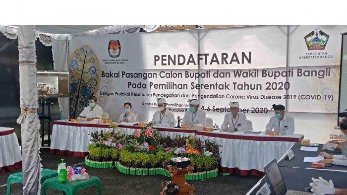 Satu-satunya yang Gelar Rapat Pleno di Bawah Tenda, KPU Bangli Harapkan Ruang Rapat Representatif