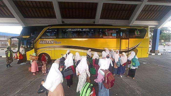 Ratusan Santri Pulang ke Bali, Baru Bisa Kembali ke Pondok Setelah Masa Penyekatan Mudik