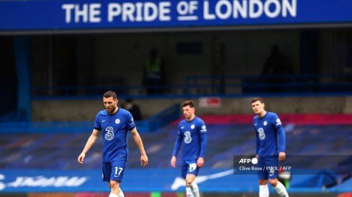 Reaksi gelandang Chelsea Kroasia Mateo Kovacic (kiri) saat pertandingan sepak bola Liga Utama Inggris antara Chelsea dan West Bromwich Albion di Stamford Bridge di London pada 3 April 2021.