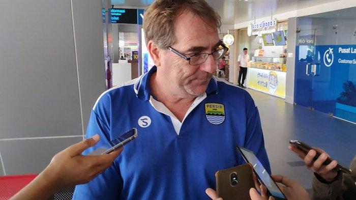 Pelatih Persib Robert Rene Alberts Janji Tak Akan Balik ke Arema karena Masalah Ini
