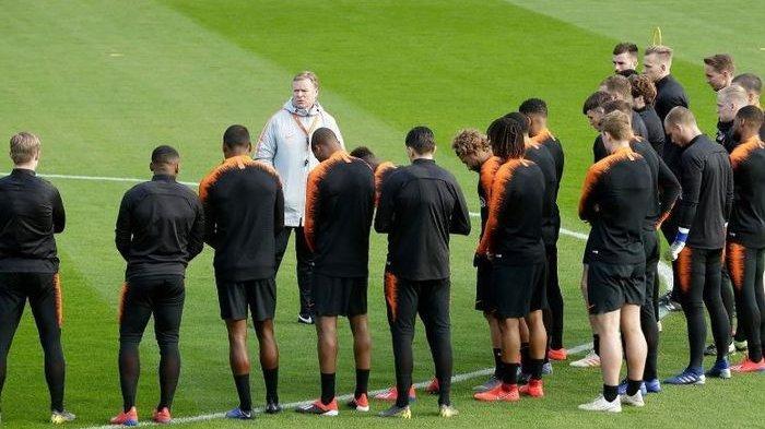 Pelatih Timnas Belanda Ronald Koeman Dilarikan ke RS karena Sakit Jantung