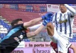 Cristiano Ronaldo Bikin Rekor Baru Gol Terbanyak, Giuliani: Seharusnya Diganjar Kartu Merah