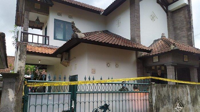 Rumah atau lokasi ditemukannya seorang pegawai bank di Denpasar yang diduga korban pembunuhan.